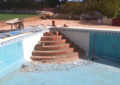 Reparación y construcción escaleras para piscinas Castellón